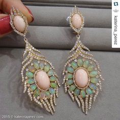 """Vicenza Recap: #repost @katerina_perez 💖 ・・・ #feather #earrings by #Sutra @sutrajewels with #angel…"""