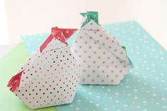 como hacer gallinitas de origami para Pascua