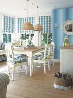 Cocina, azul y blanco.