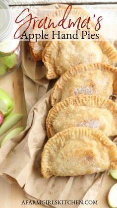 Mini Pie Recipes, Apple Dessert Recipes, Pie Crust Recipes, Apple Recipes, Delicious Desserts, Cooking Recipes, Grandma's Recipes, Amish Recipes, Skillet Recipes