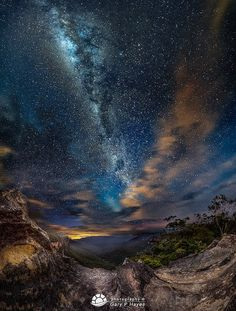 The Milky Way And The Universe - #CosmicMoonrise.