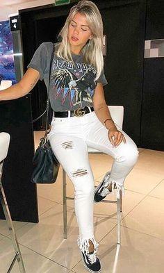 Jeans destroyed: a tendência que eleva o look casual - Guita Moda Girl Fashion, Fashion Looks, Fashion Outfits, Womens Fashion, Fashion Tips, Spring Fashion, Summer Outfits, Casual Outfits, Cute Outfits
