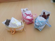 Handmade Carry-cot / Crib and bedding for Sylvanian Families