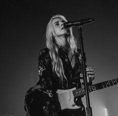 Lynn Gunn // PVRIS