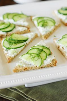 Flavorfully-delicious Cucumber Tea Sandwiches ~ 3 spreads & 3 ways! Cucumber Tea Sandwiches, Tea Party Sandwiches, Beste Burger, Snacks Saludables, Appetizer Recipes, Fun Appetizers, Picnic Recipes, Brunch, Food And Drink