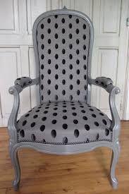simon j gou artisan tapissier nantes voltaire dans un style un peu plus classique que le. Black Bedroom Furniture Sets. Home Design Ideas