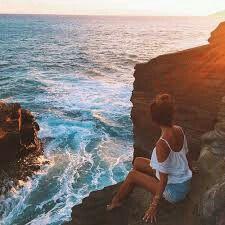 Me encanta observar como el agua rompe en las rocas y su sonido❤❤❤ Es mágico y te da un relax extraordinario