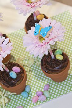 DIY Flower Cupcakes by Fresh Chick Design Studio