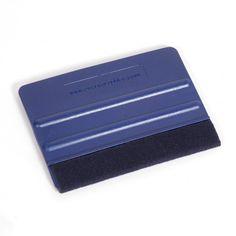 Espátula azul fieltro - Espátula de nylon con borde de fieltro para la aplicación y eliminación de vinilos. Material World, Card Holder, Cards, Shop Displays, Vinyls, Diy, Tools, Felting, Blue Nails