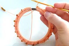 How to Wrap a Bracelet in Crochet - Crochet Patterns, Tutorial
