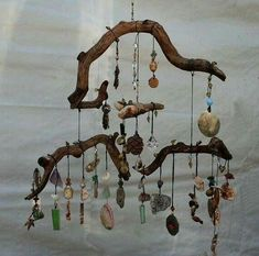 Looking for the cutest and the best wind chimes for your nest? We have collected you all the internet-loved wind chimes to accessorize your home with. Twig Crafts, Beach Crafts, Nature Crafts, Diy And Crafts, Arts And Crafts, Rustic Crafts, Nature Decor, Fall Crafts, Crafts For Kids