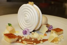 Goat's Milk Dulce de Leche Ice Cream, Cajeta Cream Meringue Snail, Caramelized Bananas, Goat Milk Pudding and Tequila Gelee Creative Desserts, Fancy Desserts, Just Desserts, Dessert Recipes, Savoury Dishes, Food Dishes, Sweet Cafe, Caramelized Bananas, Individual Desserts