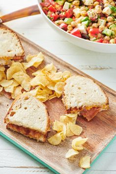Air Fryer Grilled Cheese Sandwiches / A new, easy way to get to heavenly grilled cheese  with your air fryer (with step by step instructions and photos!) #grilledcheese #sandwich #airfryer Simply Recipes, Great Recipes, Top Recipes, Sweets Recipes, Dinner Recipes, Dutch Oven Recipes, Air Fryer Healthy, Cheesy Recipes, Caramelized Onions