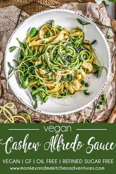 This quick, easy, and oh-so-delicious, oil free Vegan Cashew Alfredo Sauce is perfect for those busy week night meals. Rich cashews create an ultra-decadent and creamy sauce that is perfect for your favorite pastas and veggies and can be whipped up in abo Whole Foods, Whole Food Recipes, Clean Dinner Recipes, Vegan Party Food, Vegetarian Recipes, Healthy Recipes, Healthy Sauces, Clean Eating, Healthy Eating