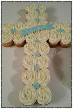 First Communion cross cupcake cake Pull Apart Cupcake Cake, Cupcake Cakes, Cupcake Art, Cupcake Ideas, Cup Cakes, Baptism Cupcakes, Purple Drinks, Coconut Milk Smoothie, Homemade Frappuccino