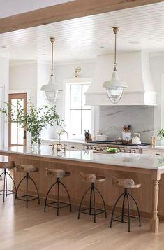 Home Decor Kitchen, New Kitchen, Home Kitchens, Kitchen Ideas, Decorating Kitchen, Modern Kitchens, Kitchen Modern, Modern Farmhouse, 10x10 Kitchen