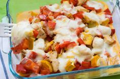 Low carb mozzarella pepper casserole with juicy chicken pieces - Casserole time! This week we have a super delicious low carb mozzarella casserole for you. Tastes g - Ketogenic Recipes, Low Carb Recipes, Bacon, Healthy Protein Snacks, Big Mac, Evening Meals, Paleo Dessert, Goulash, No Carb Diets