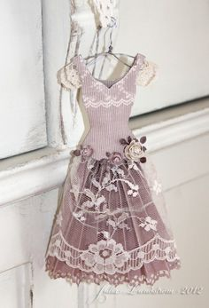dainty paper and lace dress made by a 13-year-old ... fabulous!