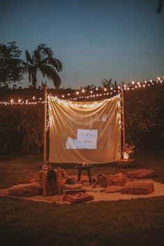 DIY Backyard Movie Night with Spell & The Gypsy Collective and Backyard Movie Party, Backyard Movie Nights, Outdoor Movie Nights, Outdoor Movie Party, Night Aesthetic, Aesthetic Movies, Outside Movie, Christmas Movie Night, Outdoor Cinema