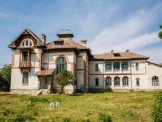 Conacul Alexandrescu din Guranda, stil neoromanesc (Posts by viata e un dans) Romania, Around The Worlds, Mansions, House Styles, Architectural Styles, Interior, Posts, Travel, Home Decor