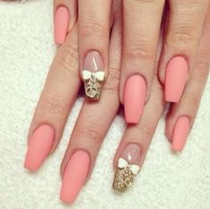 ♡♡♡ Matte pink nails with accent nails in nude & glitter w/bows