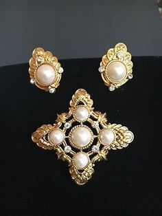 Vintage-Avon-Signed-Kenneth-Jay-Lane-Brooch-and-matching-earrings