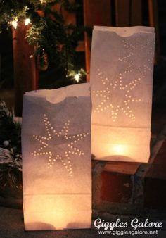 Christmas Lanterns, Christmas Bags, Outdoor Christmas Decorations, Christmas Paper, Christmas Crafts, Diy Paper Bag, Paper Bag Crafts, Diy Laterns, Paper Bag Lanterns