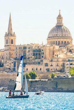 Malta is het eiland van Europa die echt voor iedereen iets te bieden heeft Met de combinatie van zon, zee en cultuur is dit een bestemming waar je jezelf niet zult vervelen! >>>
