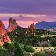 My family and I spent two weeks in Colorado. This was one or our favorite places to see. Garden Of The Gods ,Colorado , USA - Travel Pedia Beautiful Places In The World, Oh The Places You'll Go, Places To Travel, Places To Visit, Hidden Places, Travel Destinations, Aspen Colorado, Colorado Springs, Denver Colorado Hiking