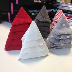 Pliage serviette facile Sapin de Noël