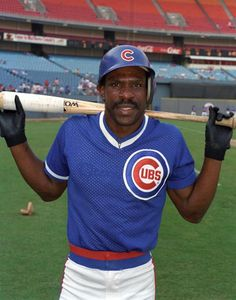 The Hawk, Andre Dawson! Saw him the night he threw the bat rack! And got his autograph many years later. Negro League Baseball, Chicago Cubs Baseball, Pro Baseball, Baseball Uniforms, Cubs Players, Baseball Players, Cubs Pictures, Cubs Win, Go Cubs Go