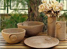I Heart Organizing: A Darling DIY Rope Basket Jute Crafts, Diy Home Crafts, Diy Home Decor, Sisal, Rope Art, Rope Basket, Diy Art, Diy Furniture, Diy Projects