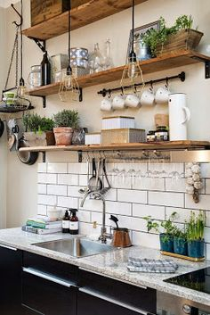 Kitchen with white tile backsplash Beautiful Kitchen Designs, Beautiful Kitchens, Cool Kitchens, Diy Kitchen, Rustic Kitchen Decor, Kitchen Shelves, Clawfoot Bathtub, Glass Shelves, Double Vanity