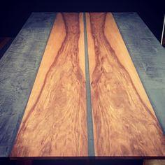 Betonen Esstisch LONGUS Hardwood Floors, Flooring, Butcher Block Cutting Board, Kitchen, Design, Dinner Table, Textiles, Steel, Timber Wood