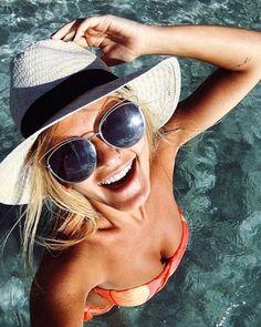 SIIIIIIMMMMM!! As #OTICASWANNY tem os óculos da #maridalla em todas as lojas e muito mais. Garanta o seu!! #diorsideral #dior #newcolection #euquero #oculos #gantinho #fsbion #blogger #linda #regram #summer #pooltime #chapeu #sol #moda #musthave #sideral2 #2016 #SP