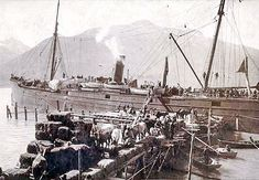 Skagway during the Klondike Gold Rush: Str. People, horses, hay bales, and supplies cover dock; many passengers wait on ship's deck 1897 Skagway Alaska, Alaska Highway, Call Of The Wild, Gold Rush, Old West, Family History, Old Photos, Mists, Abandoned