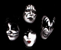 the kiss army – new recruits kiss-makeup-kenny-jones-radio . Banda Kiss, Kiss Band, Vintage Kiss, Paul Stanley, Ligne Claire, Hot Band, Ace Frehley, Gene Simmons, Love Kiss