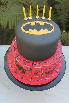 Batman and Spiderman cake Batman Birthday Cakes, Superhero Birthday Party, 4th Birthday, Birthday Ideas, Unique Wedding Cakes, Unique Cakes, Avenger Party, Yellow Candles, Cupcake Cakes