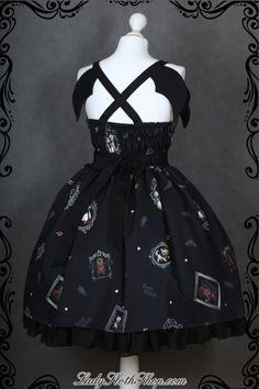 Gone batty – JSK – Lady Sloth Lolita Fashion, Gothic Fashion, Asian Fashion, Funky Dresses, Pretty Dresses, Chiffon Ruffle, Gothic Lolita, Indie Brands, Dress Making