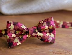 Mens Bow Tie - Fall, Thanksgiving Leaves on Woven Cotton, bowtie for men and teens - pinned by pin4etsy.com