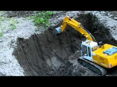 Attention RC Fans Amazing Detailed Excavators At Work Check Out This R C Construction Equipment