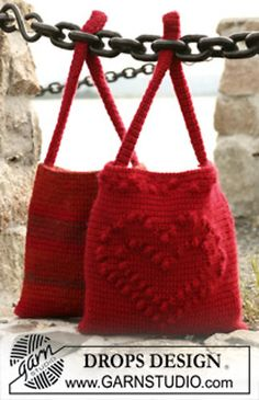 """Crochet bag with heart and crochet bag with stripes in """"Alaska"""" and """"Vivaldi"""" by DROPS design"""