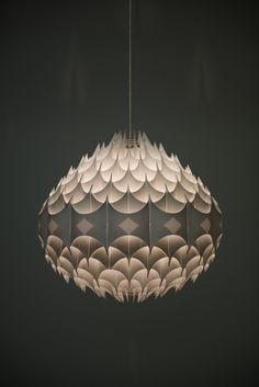 Great pendant chips lamp by designer Havlova Milanda, Ceiling lamp model Rhythmic, produced by Vest in Austria in white plastic, excellent vintage condition, with small signs of usage. 1950′s Mid-century, Scandinavia.