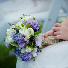 Lisanthus - purple and blue??  Hmmmm....