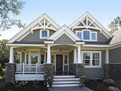 Elevation - Craftsman home