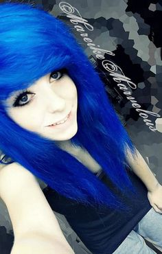 Here are seven cute everyday hairstyles that you need to try out. Piercing Tattoo, Piercings, Cute Everyday Hairstyles, Pretty Hairstyles, Scene Hairstyles, Hair Color Blue, Cool Hair Color, Hair Colors, Colored Hair