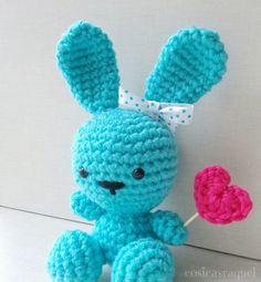 cosicasraquel: Conejito Amigurumi San Valentín Love Crochet, Crochet Pattern, Knit Crochet, Amigurumi Doll, Amigurumi Patterns, Knitted Heart, Crochet For Beginners, Crochet Dolls, Crochet Projects