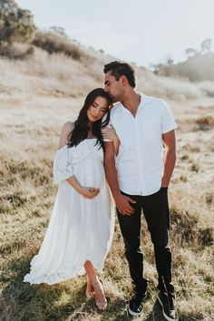 Outdoor Maternity Photos, Maternity Photography Outdoors, Maternity Pictures, Couple Pregnancy Pictures, Pregnancy Photography, Sunset Maternity Photos, Photography Couples, Couple Shoot, Couple Pictures
