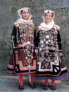 Traje de Alberca. Popular festival and wedding dress from Salamanca, Spain.