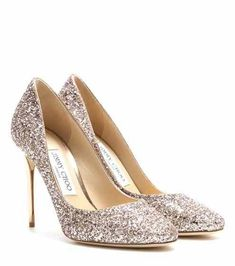 Get your hands on the new Jimmy Choo collection! Shop the latest online with Mytheresa. Shoes Too Big, Pretty Shoes, Pump Shoes, Shoe Boots, Blush Wedding Shoes, Gold Pumps, Glitter Shoes, Gold Glitter, Jimmy Choo Shoes